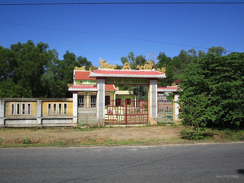 Nhà thờ tộc Trần Kim ở thôn Phú Quý xã Tam Phú. Ảnh: PHÚ BÌNH