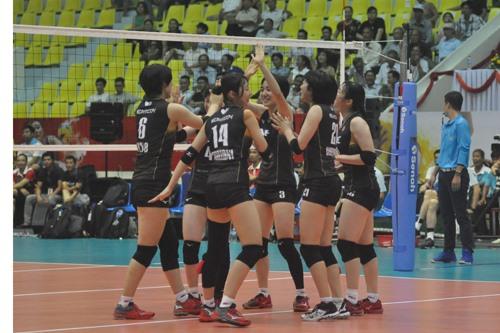 Các cô gái CLB Nec (Nhật Bản) thể hiện phong độ ấn tượng qua 2 trận đầu tiên. Ảnh: T.V