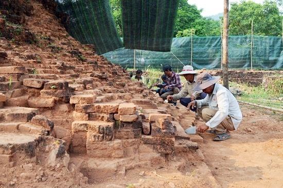 Cộng đồng cư dân địa phương tham gia bảo tồn di sản Mỹ Sơn. Ảnh: LINH QUÂN