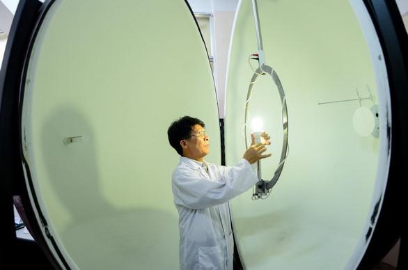 Một tiến sĩ của Trường ĐH Bách khoa Hà Nội làm việc trong viện Vật lý kỹ thuật - Ảnh: ĐH Bách khoa Hà Nội