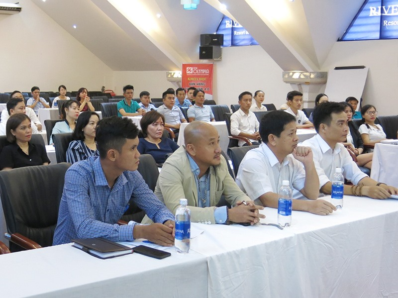 Lớp đào tạo CEO vừa mở để nâng cao kỹ năng quản trị DN Quảng Nam. Ảnh: T.D