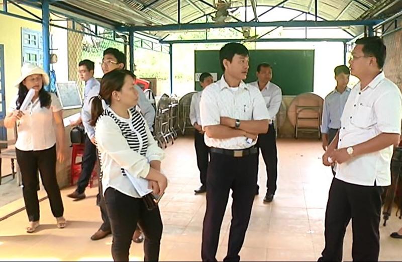HĐND tỉnh giám sát chính sách hỗ trợ học sinh ở huyện Bắc Trà My. Ảnh: L.P.L.N