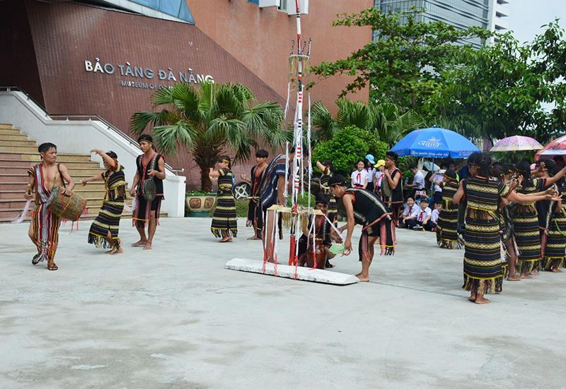Hoạt động quảng bá văn hóa, du lịch Quảng Nam tại Đà Nẵng. Ảnh: Q.T