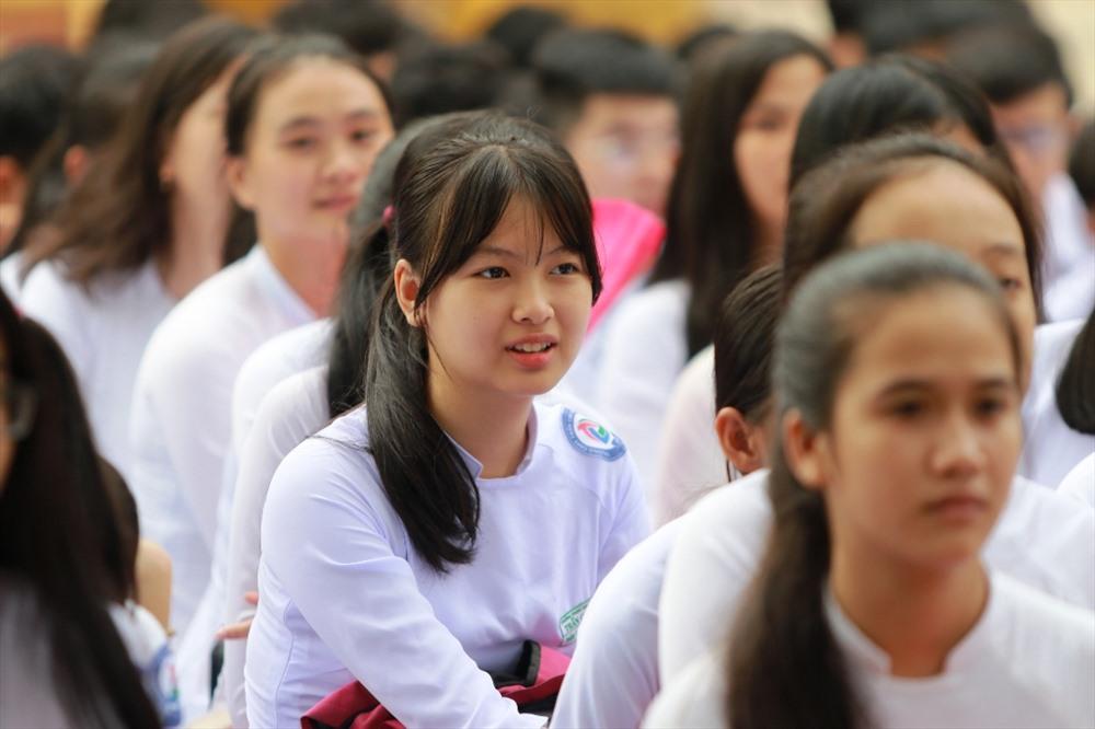Năm học 2019 - 2020, Trường THPT Trần Cao Vân tiếp nhận 380 học sinh khối lớp 10. Ảnh: T.C