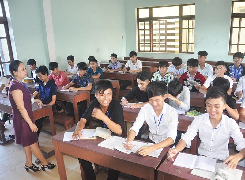Các trường ĐH, CĐ trênđịa bàn tỉnh hiện nay tuyển sinh gặp rất nhiều khó khăn. Ảnh: X.P