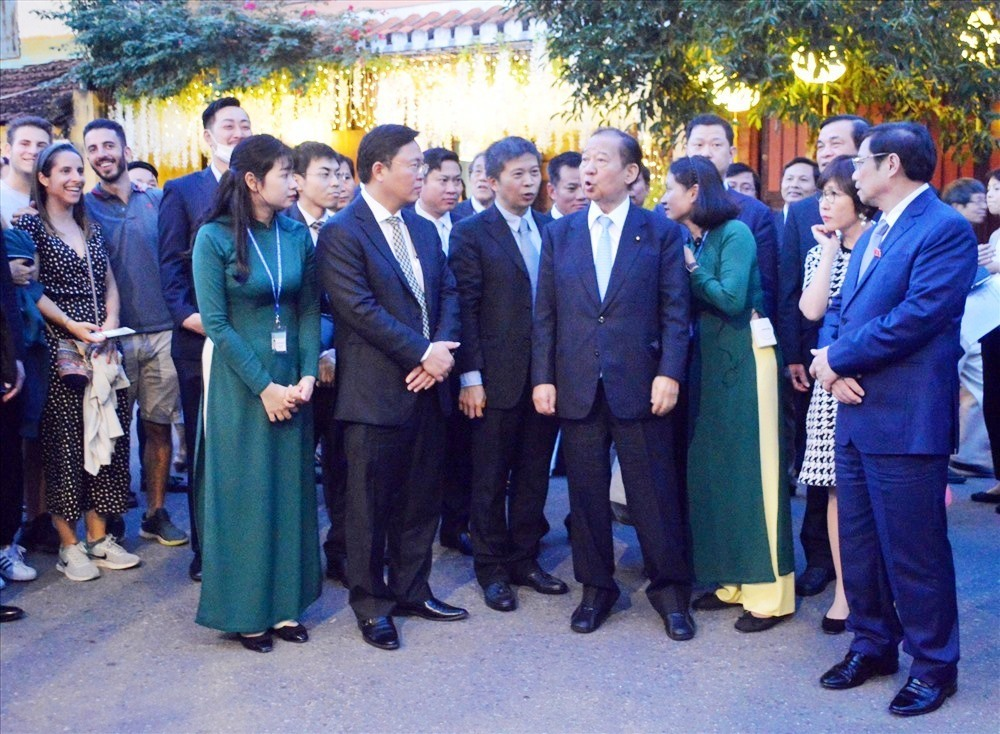 Quang Nam leaders and the Japanese delegation in Hoi An