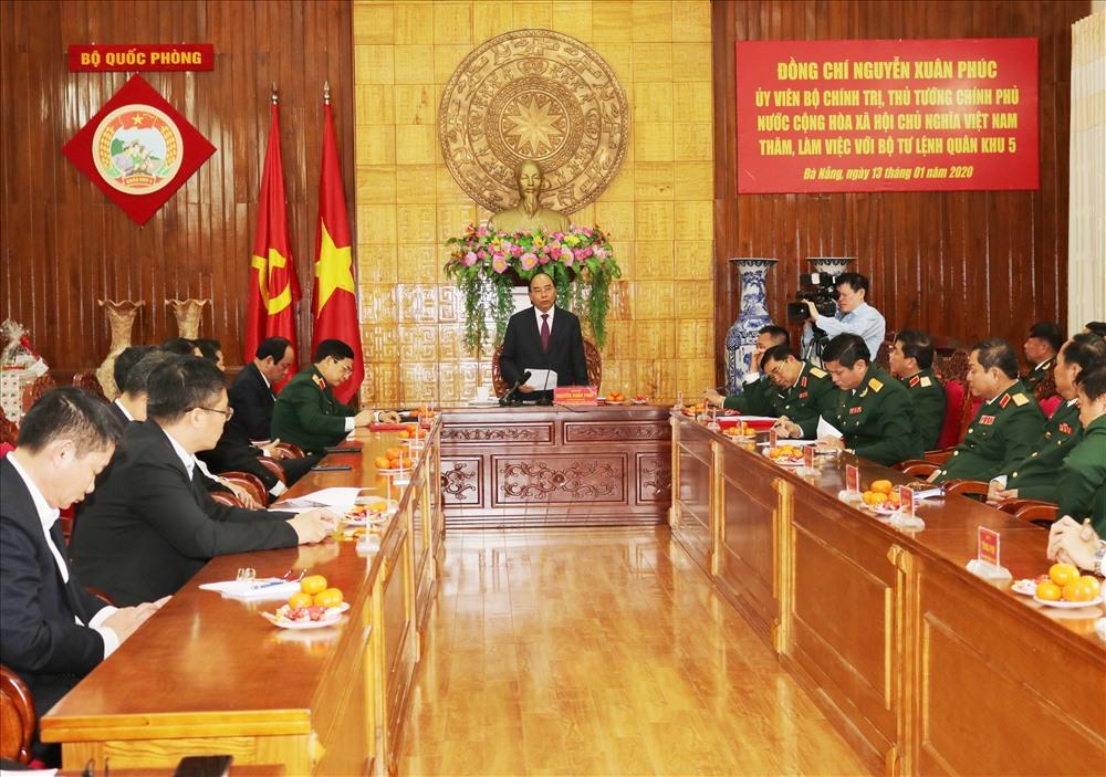 2. Thủ tướng Nguyễn Xuân Phúc kết luận buổi làm việc tại Bộ Tư lệnh Quân khu 5