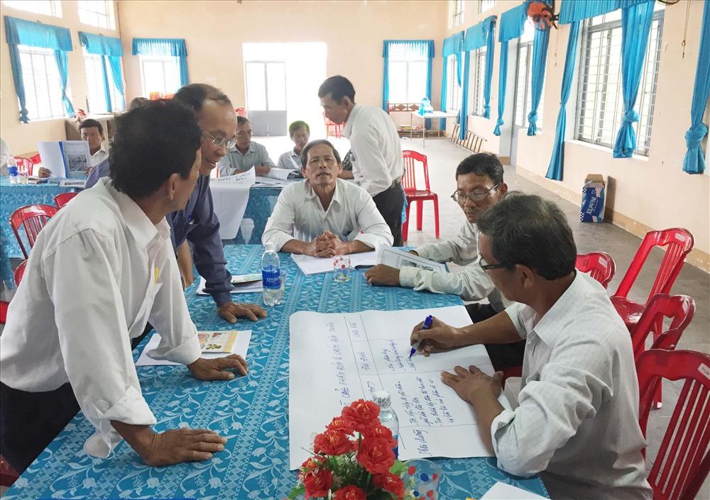 Trong khuôn khổ của Dự án cải thiện nông nghiệp, nhiều nông dân được tập huấn kỹ thuật về sản xuất theo hướng CSA. Ảnh: M.T