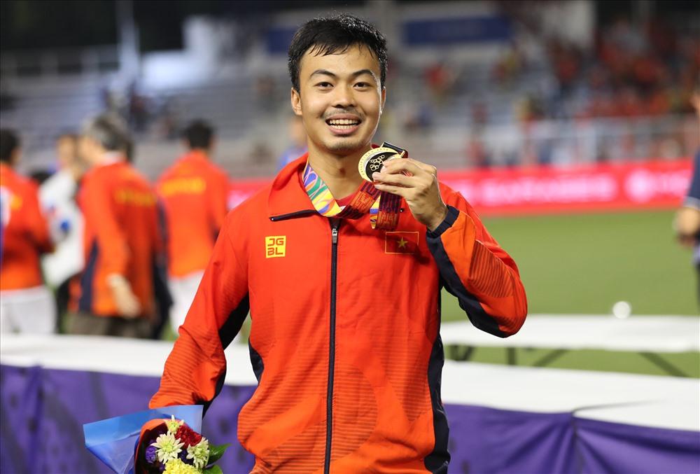 Đỗ Thanh Thịnh với HCV môn bóng đá nam tại SEA Games 30 - 2019. Ảnh: HỒ ĐỨC ĐỒNG