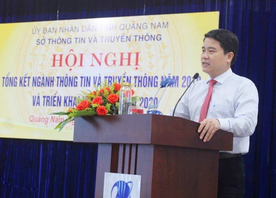 Phó Chủ tịch UBND tỉnh Trần Văn Tân phát biểu chỉ đạo tại hội nghị. Ảnh: HOÀNG LIÊN