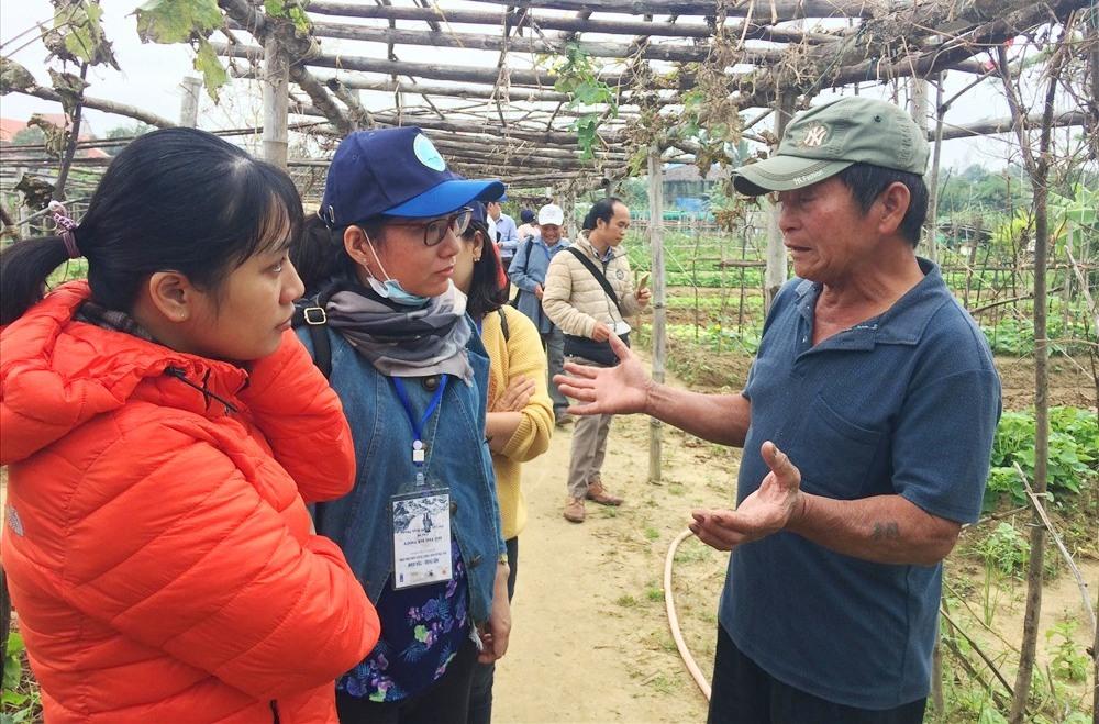 Trang trại hữu cơ Thanh Đông (xã Cẩm Thanh, TP.Hội An) thường xuyên đón nhiều đoàn khách tham quan, trải nghiệm du lịch nông nghiệp. Ảnh: Q.T