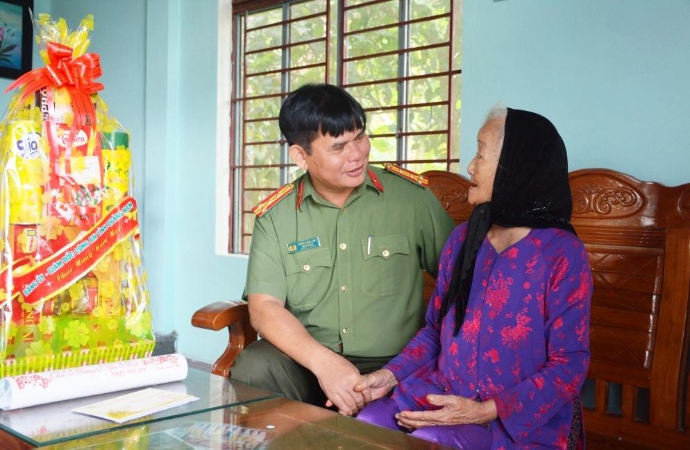 Đại tá Huỳnh Sông Thu - Phó Bí thư Đảng ủy, Phó Giám đốc Công an tỉnh
