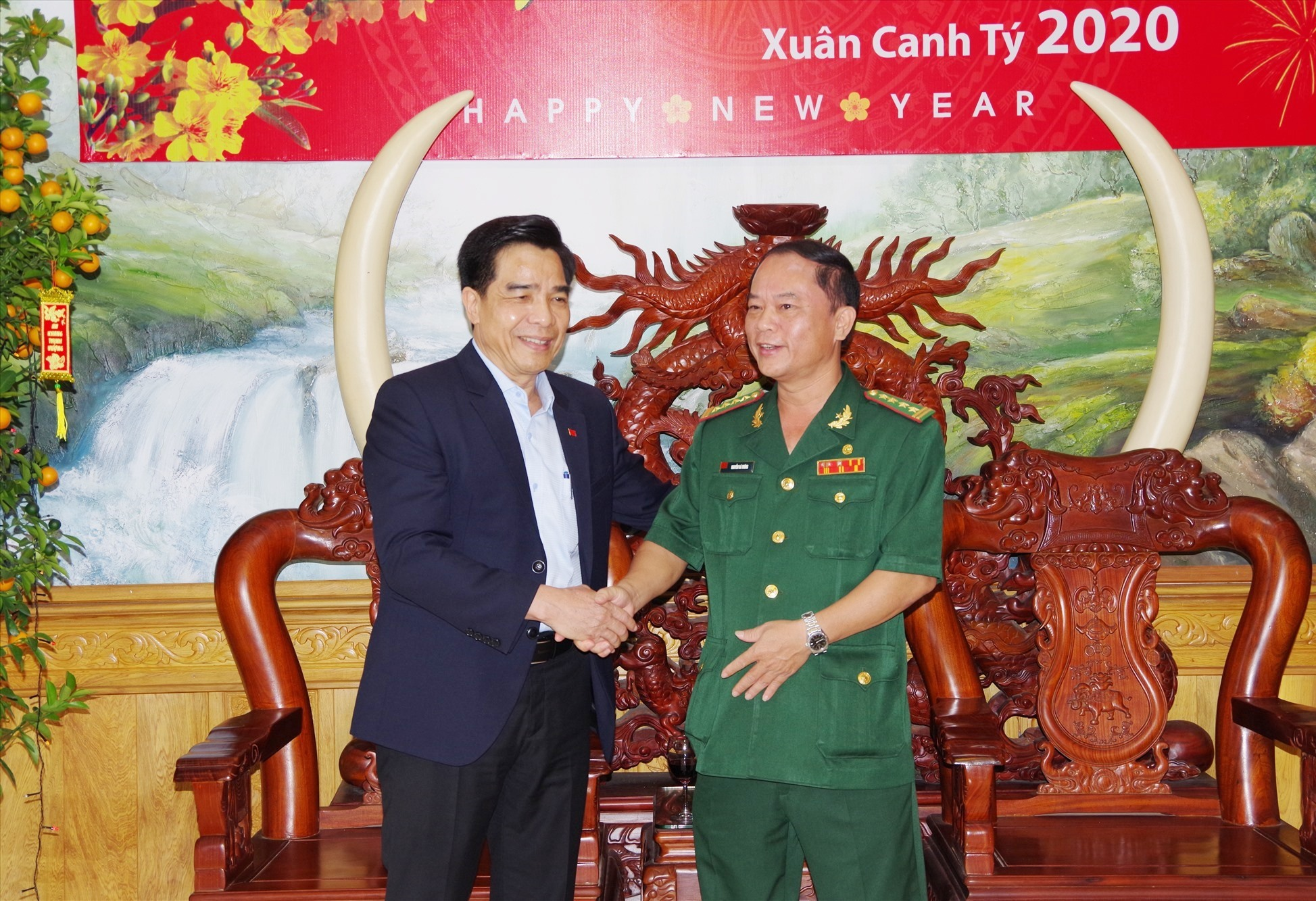 Phó Bí thư thường trực Tỉnh ủy Lê Văn Dũng chúc tết BĐBP tỉnh