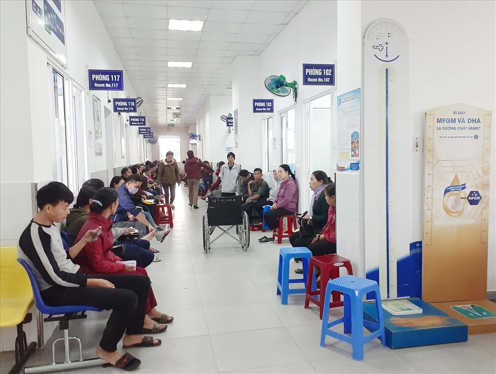Cải thiện chất lượng dịch vụ và chuyên môn để tiếp tục thu hút người có thu nhập cao đến khám chữa bệnh là mục tiêu của ngành y tế trong thời gian đến.