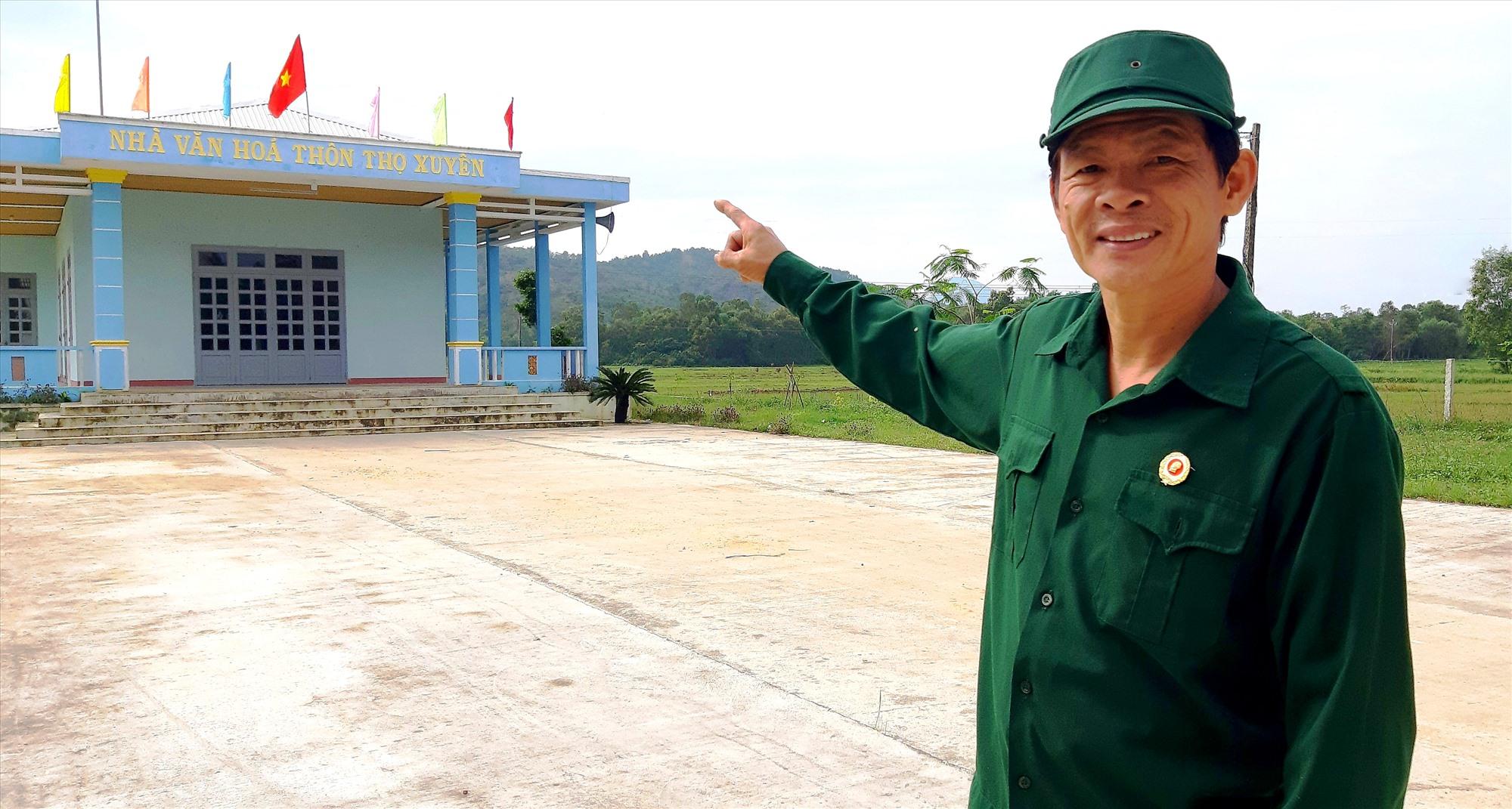 Cựu chiến binh Nguyễn Hữu Long đã hiến 2.600m2 đất góp phần xây dựng Nhà sinh hoạt văn hóa thôn Tân Thọ (xã Duy Châu, Duy Xuyên). Ảnh: THÀNH SỰ
