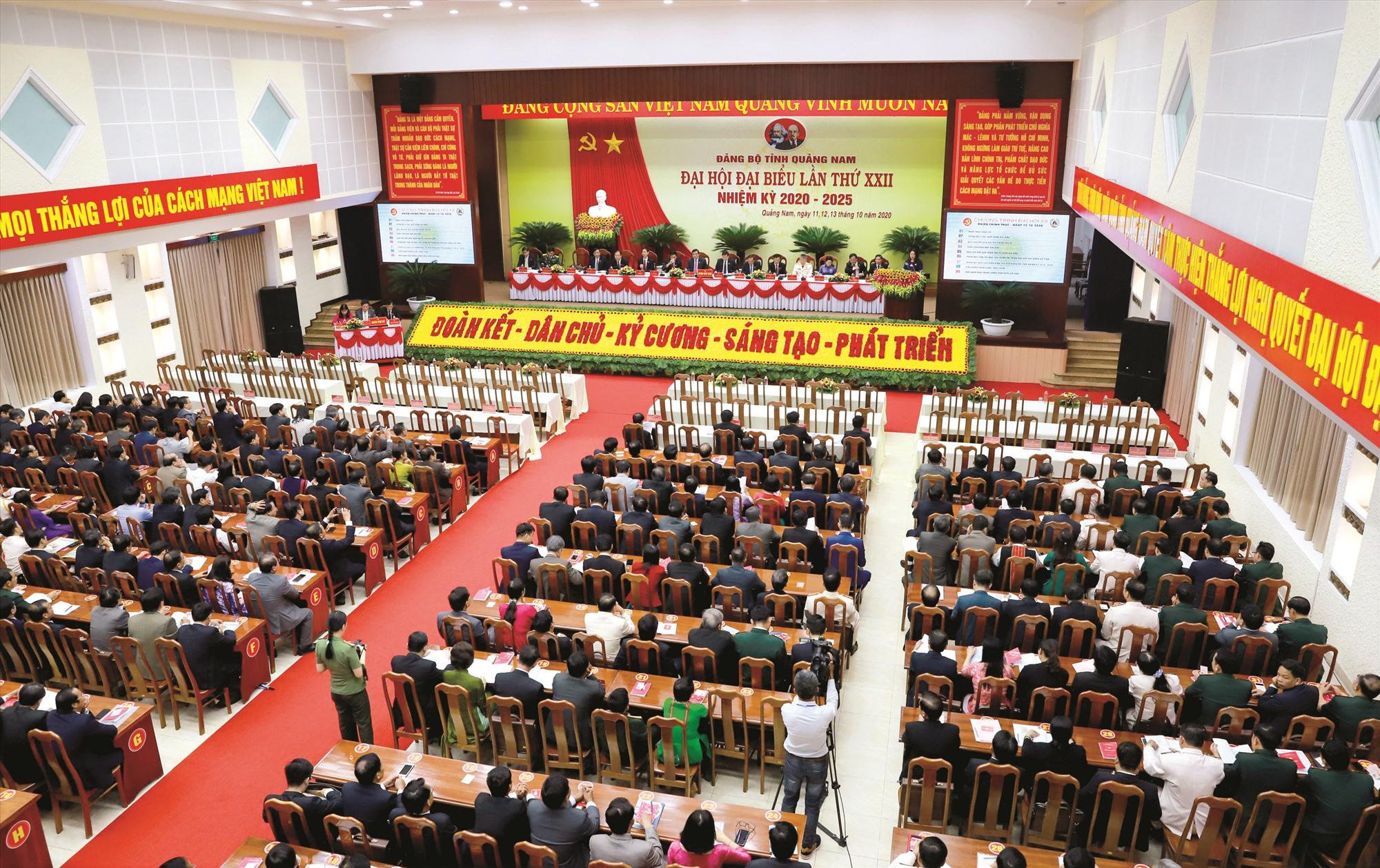 Quang cảnh phiên trù bị Đại hội đại biểu Đảng bộ tỉnh lần thứ XXII. Ảnh: T.C