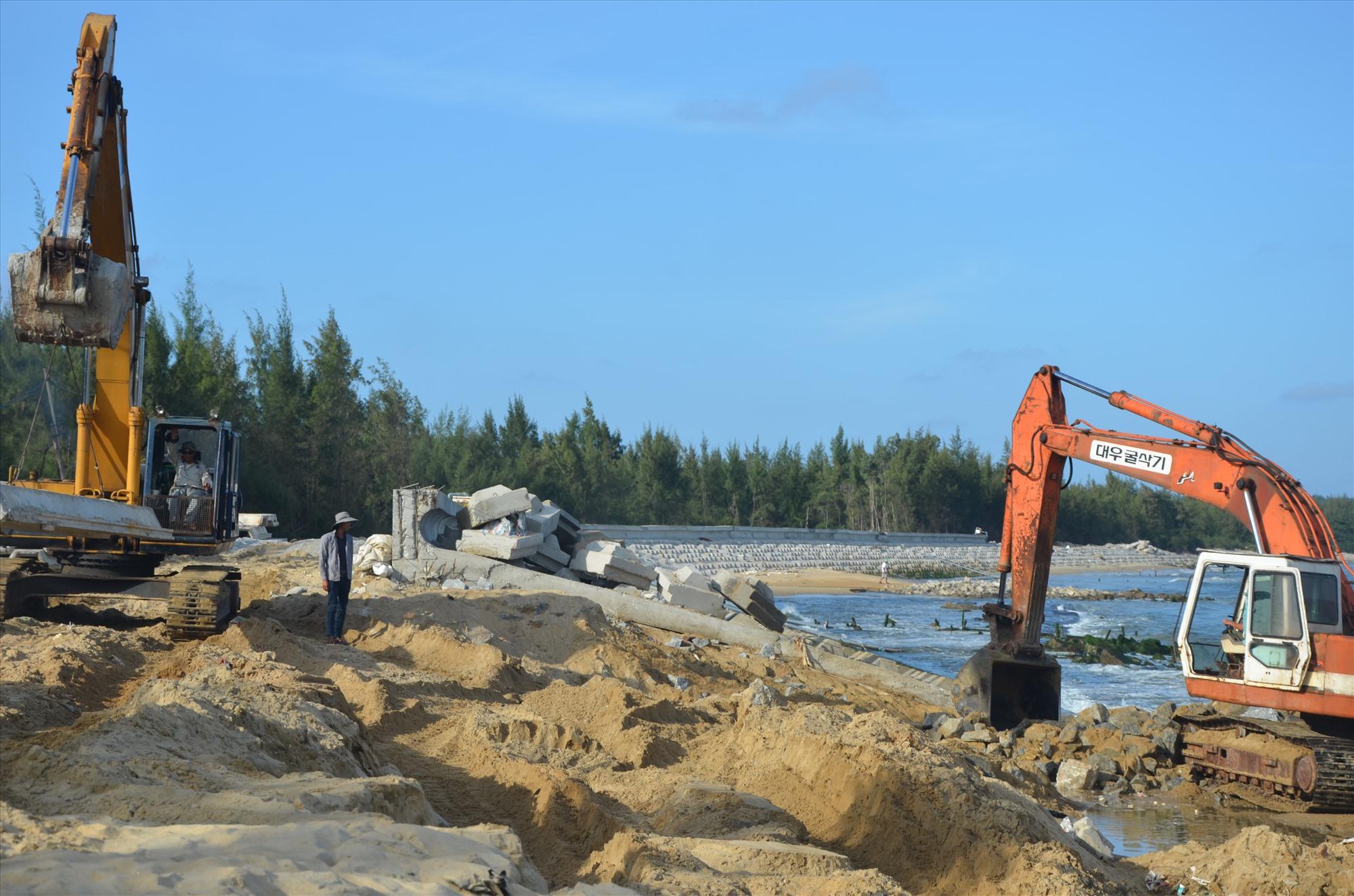 Công trình kè bờ biển Tam Hải (Núi Thành) nằm trong hạng mục ứng phó với biến đổi khí hậu.