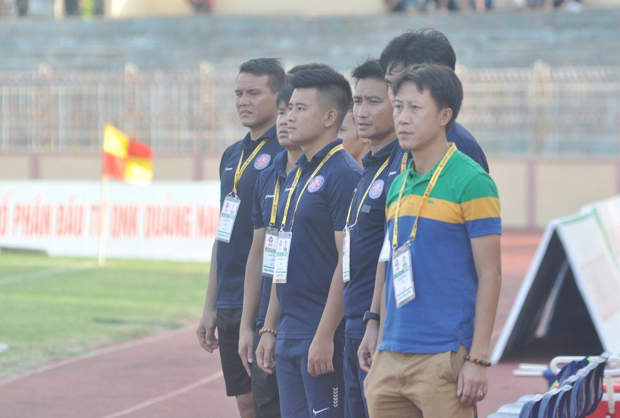 Tân HLV trưởng Nguyễn Thành Công dẫn dắt Quảng Nam đối đầu với đội bóng cũ Thanh Hóa vào chiều 15.10. Ảnh: A.Nhi