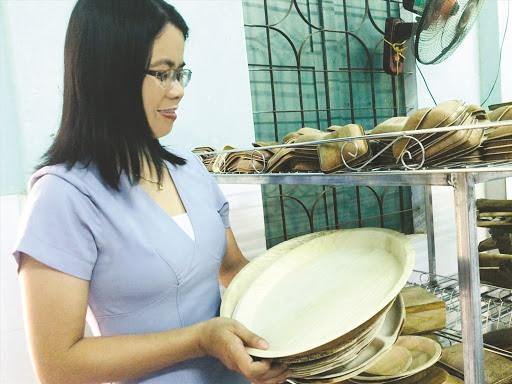 Phan Vu Hoai Vui and her products made of areca spathes