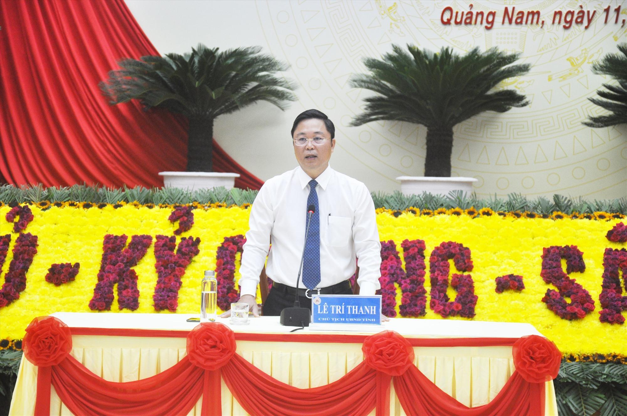Phó Bí thư Tỉnh ủy, Chủ tịch UBND tỉnh Lê Trí Thanh thông tin về định hướng phát triển của Quảng Nam đến năm 2025, tầm nhìn đến năm 2030 cho các cơ quan báo chí. Ảnh: N.Đ