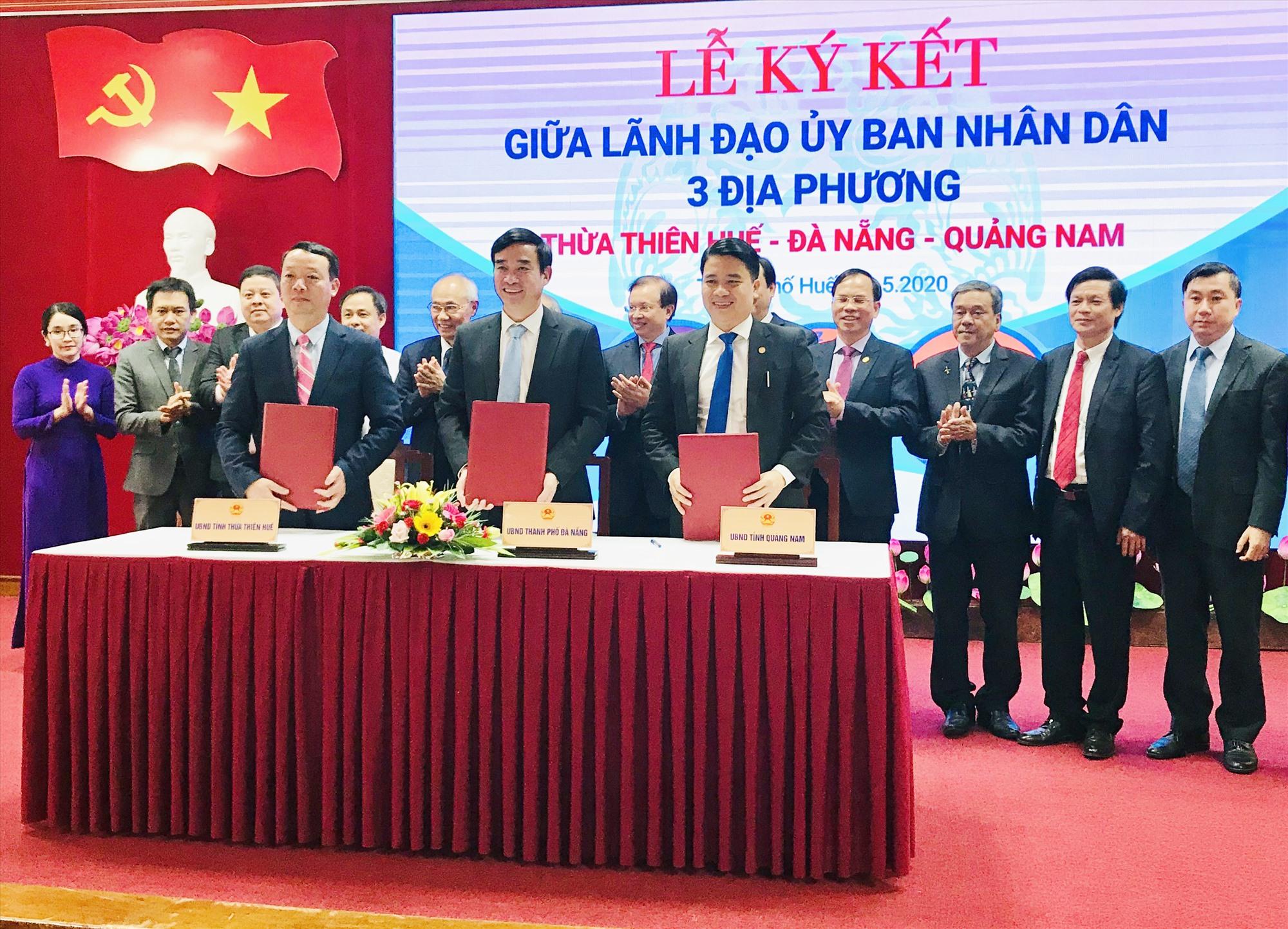 Hoạt động liên kết trong phát triển du lịch là điều rất cần thiết. Trong ảnh: Ký kết hợp tác phát triển du lịch giữa 3 địa phương Thừa Thiên Huế - Đà Nẵng - Quảng Nam hồi tháng 5.2020. Ảnh: H.S