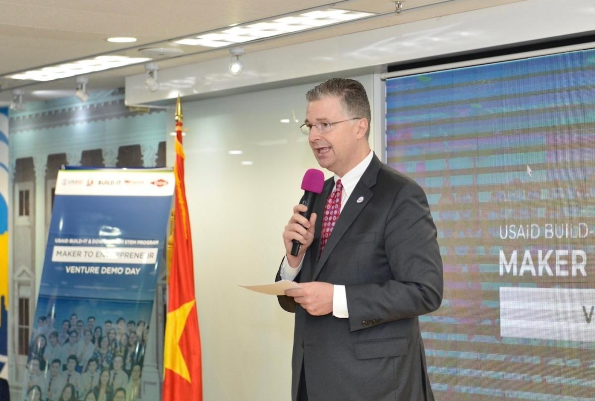 Đại sứ Hoa Kỳ tại Việt Nam - ông Daniel J. Kritenbrink
