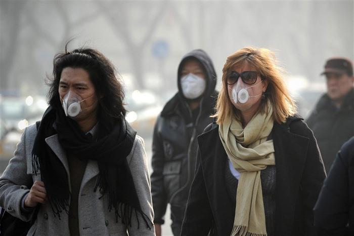 Những người phải sống trong môi trường ô nhiễm làm tăng nguy cơ mắc bệnh cảm cúm - Ảnh Internet