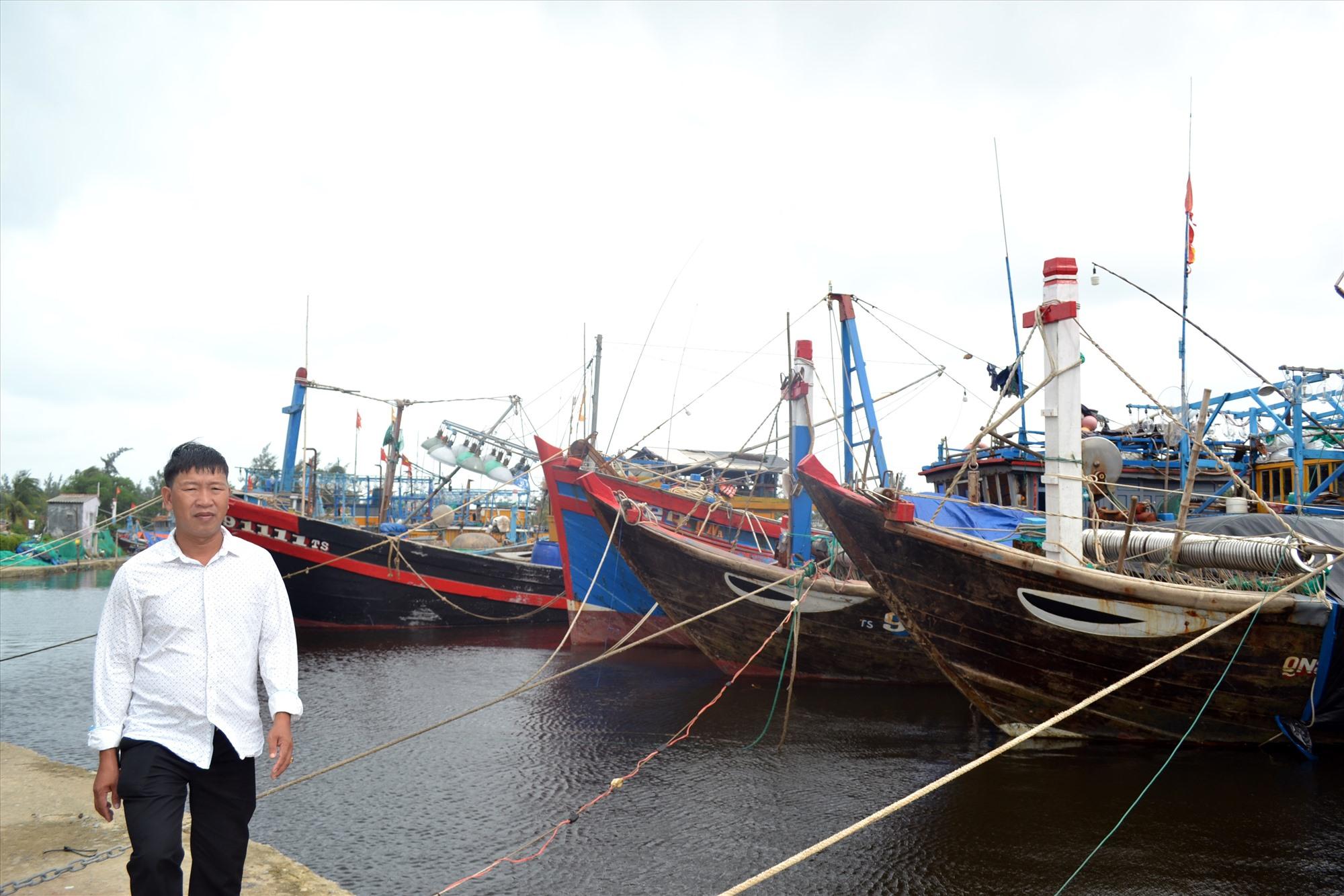 Âu thuyền Tam Tiến không đủ chỗ neo đậu cho tàu cá của ngư dân trên địa bàn xã. Ảnh: VIỆT NGUYỄN