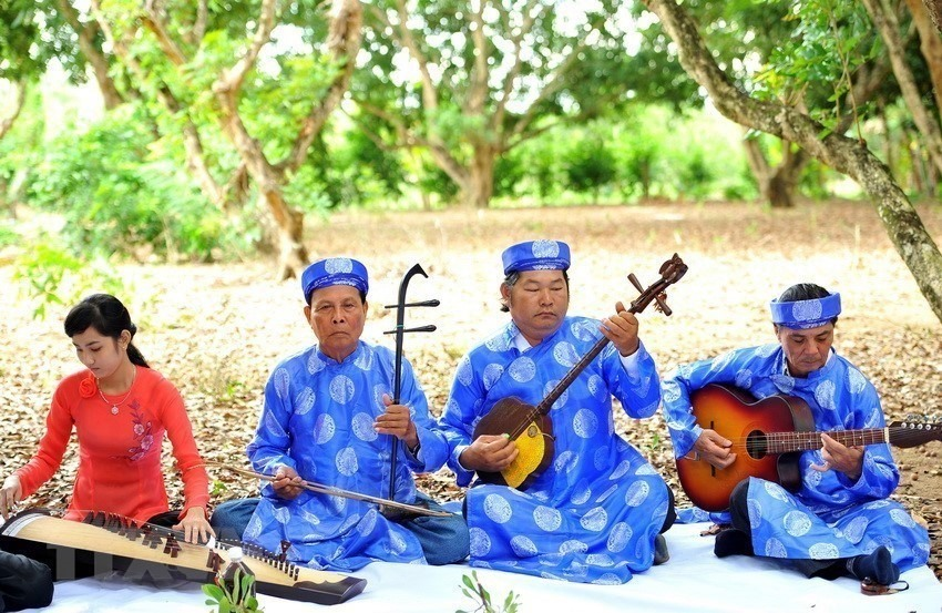 Art of Đờn ca tài tử music and song in southern Vietnam was recognised as a UNESCO intangible cultural heritage of humanity in 2013.