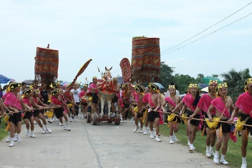 Gióng Festival at the Phu Dong and Soc temples were officially recognized as a UNESCO intangible cultural heritage of humanity in 2010.