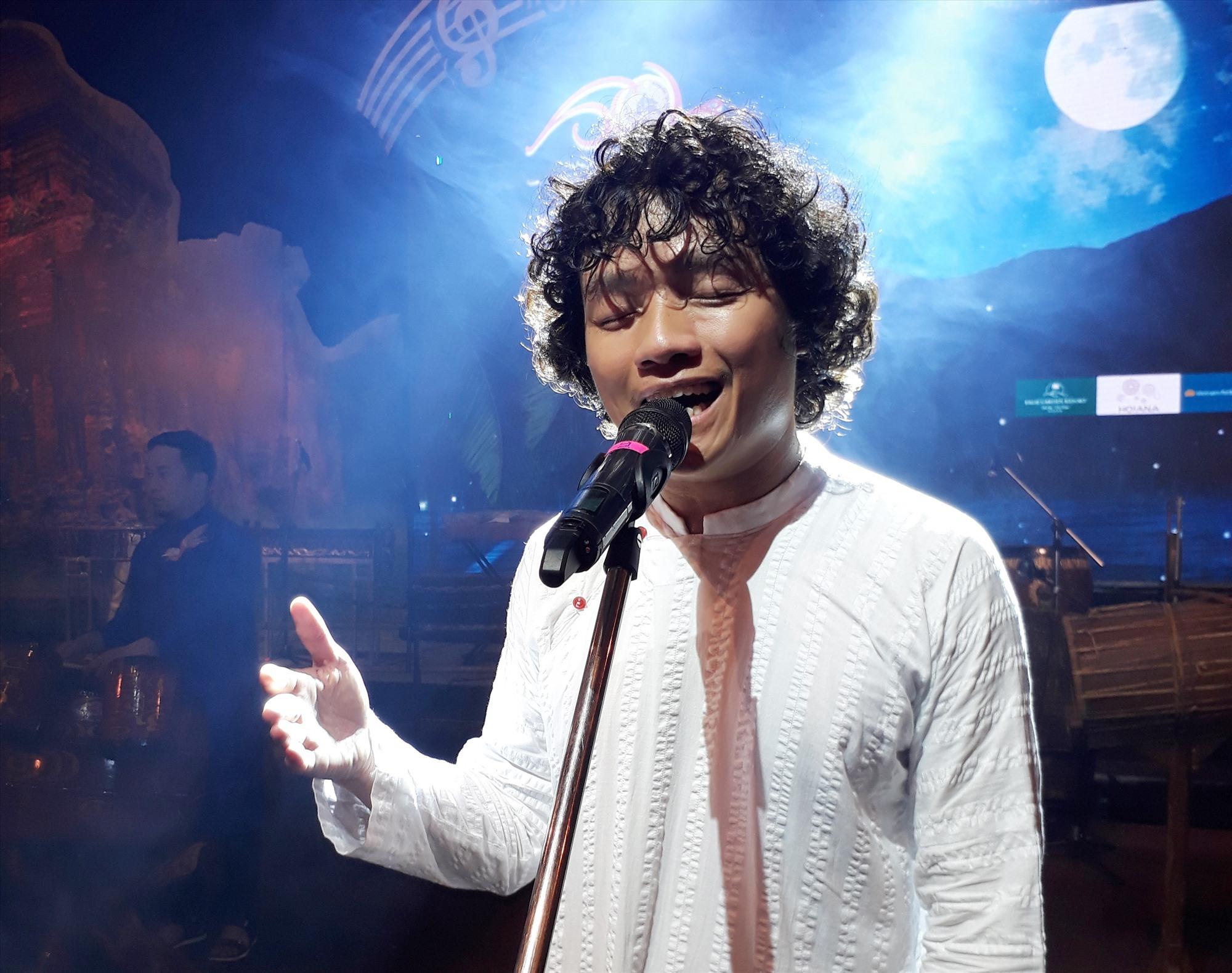 Nhạc sĩ Ngô Hồng Quang.