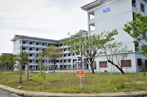 Block N11 of the People's Police College V is used as a place of isolation