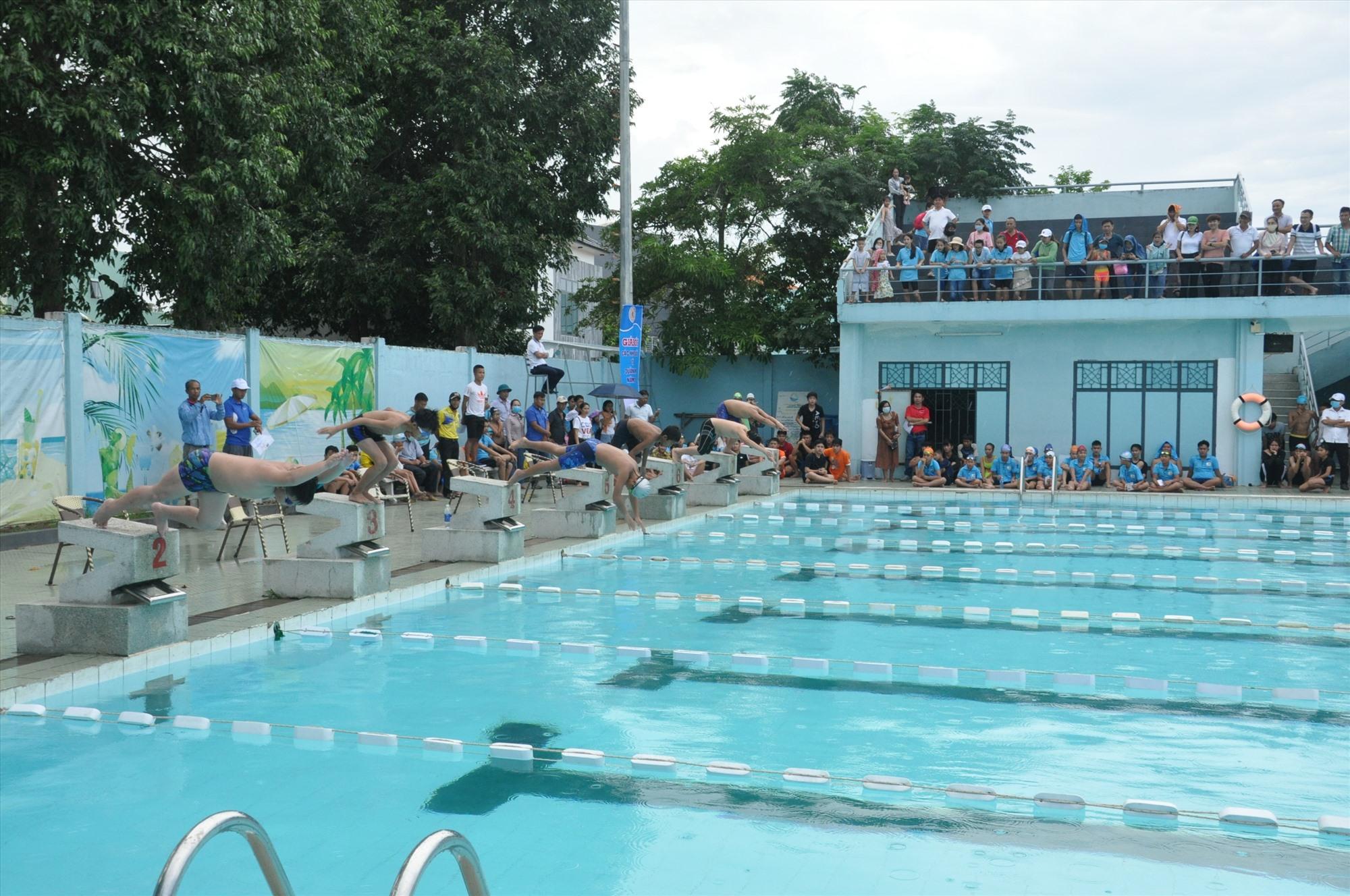 Trung tâm Thanh thiếu niên miền Trung sẽ là địa điểm tổ chức giải Bơi học sinh phổ  thông toàn quốc năm 2020 (các vận động viên thi đấu tại giải Bơi các nhóm tuổi tỉnh  Quảng Nam năm 2020). Ảnh: A.Sắc