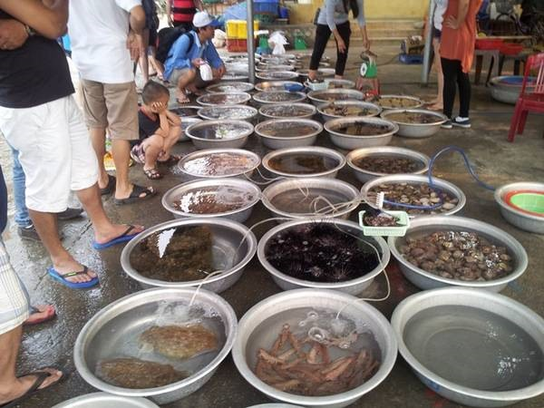 Seafood sold on Cham Islands