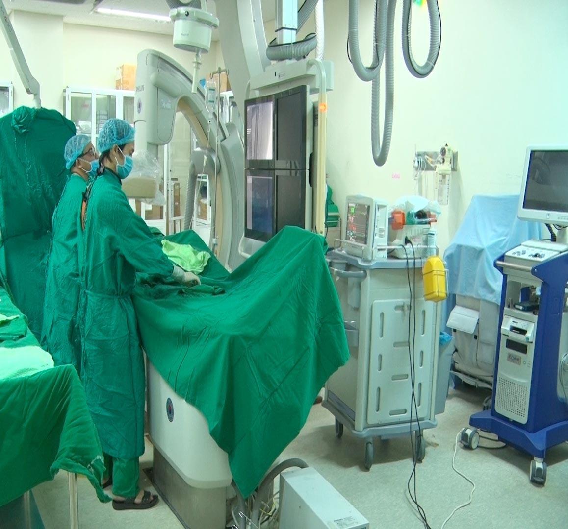 Việc đặt stent động mạch vành cho bệnh nhân tại Bệnh viện Đa khoa Trung ương Quảng Nam đã để xảy ra những sai sót liên quan đến việc thanh toán chi phí dịch vụ kỹ thuật cao trong tỉnh. Ảnh: BV