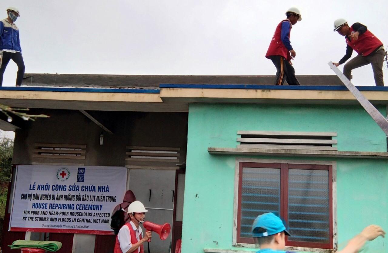 Repairing damaged houses