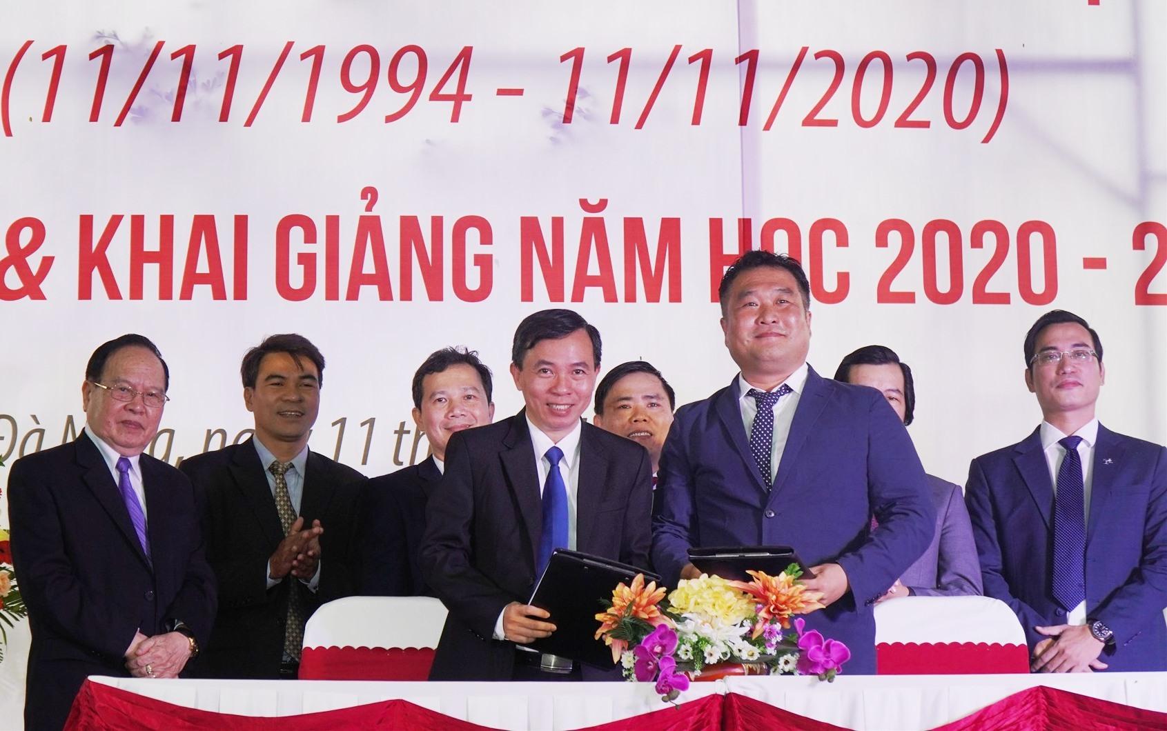 DTU ký kết hợp tác đào tạo và chuyển giao công nghệ với Tập đoàn điện tử LG tại Việt Nam. Ảnh XL