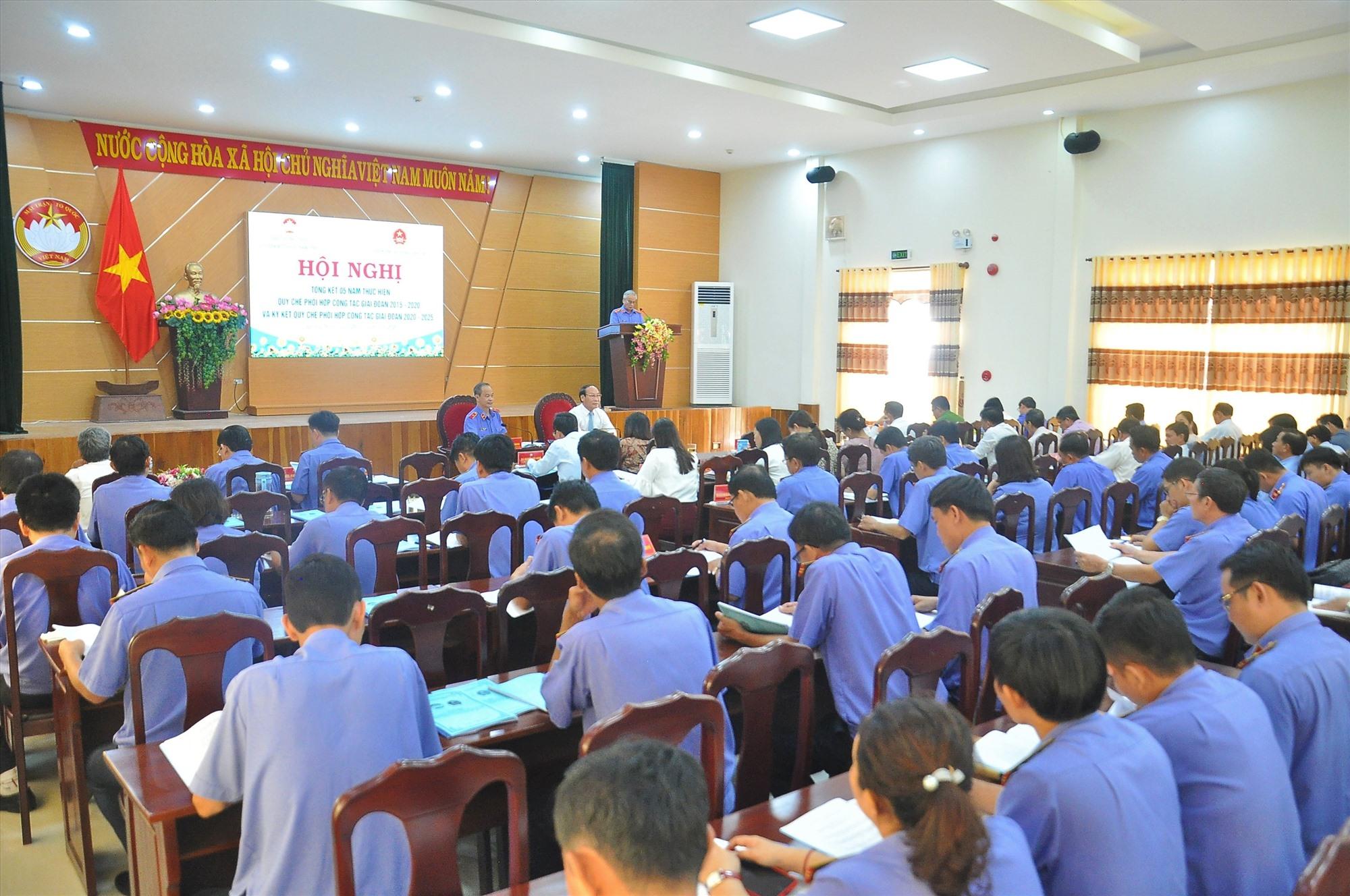 Mặt trận tỉnh và Viện KSND tỉnh tổ chức hội nghị tổng kết quy chế phối hợp công tác giai đoạn 2015 - 2020. Ảnh: VINH ANH