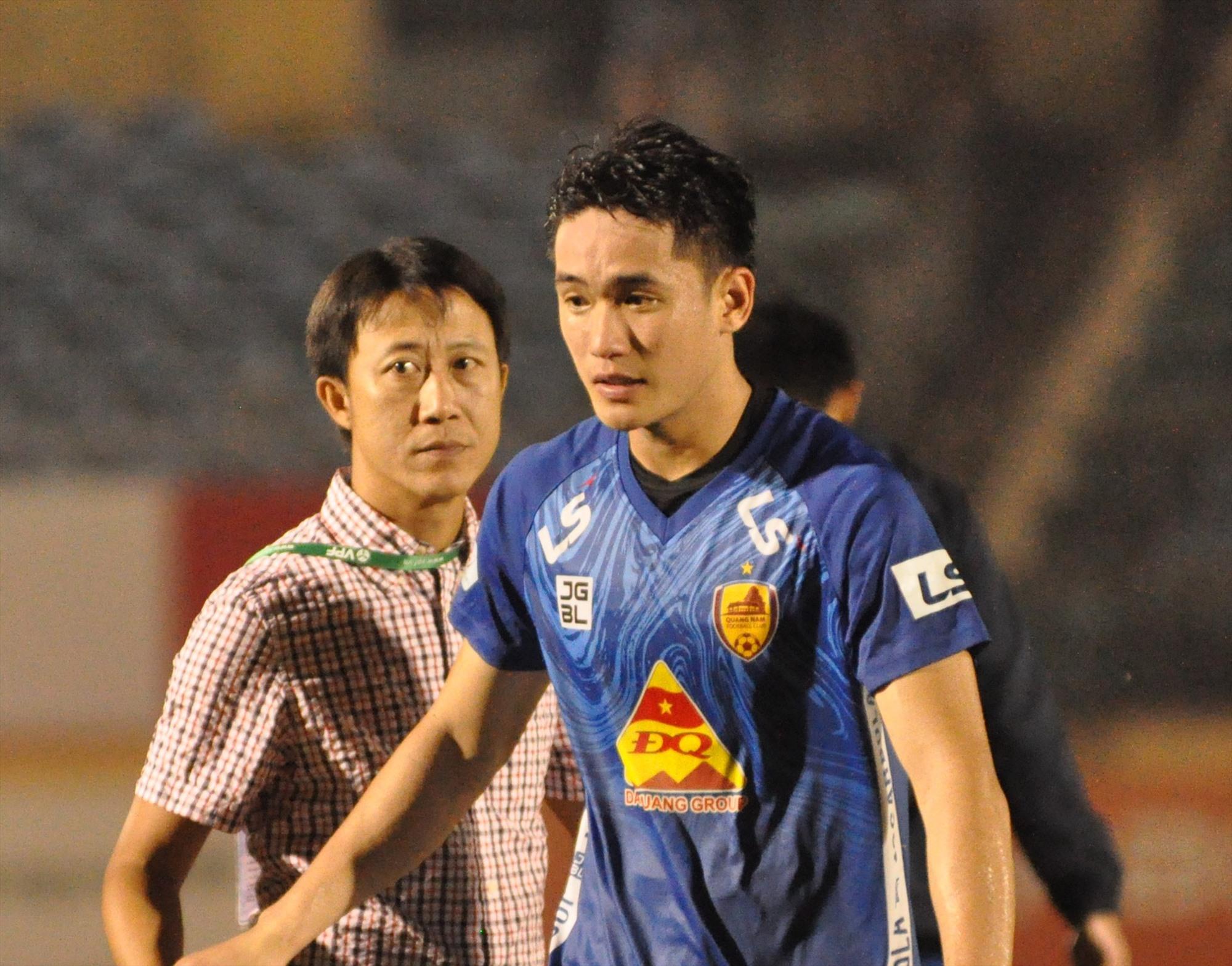 Trung vệ Huỳnh Tấn Sinh trưởng thành từ hệ thống đào tạo trẻ của tỉnh. Ảnh: T.VY