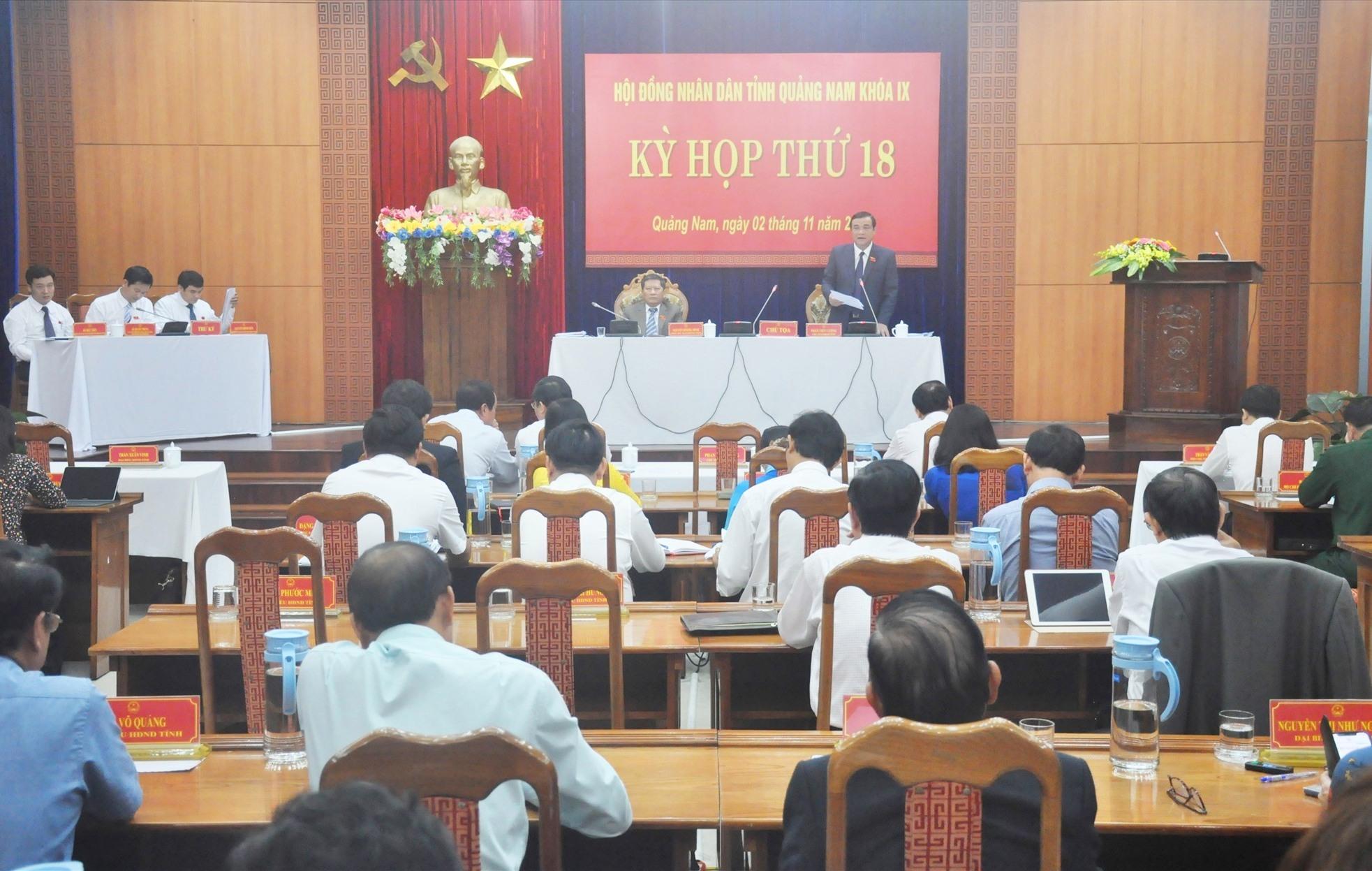 Quang cảnh Kỳ họp thứ 18, HĐND tỉnh khóa IX diễn ra sáng 2.11. Ảnh: N.Đ