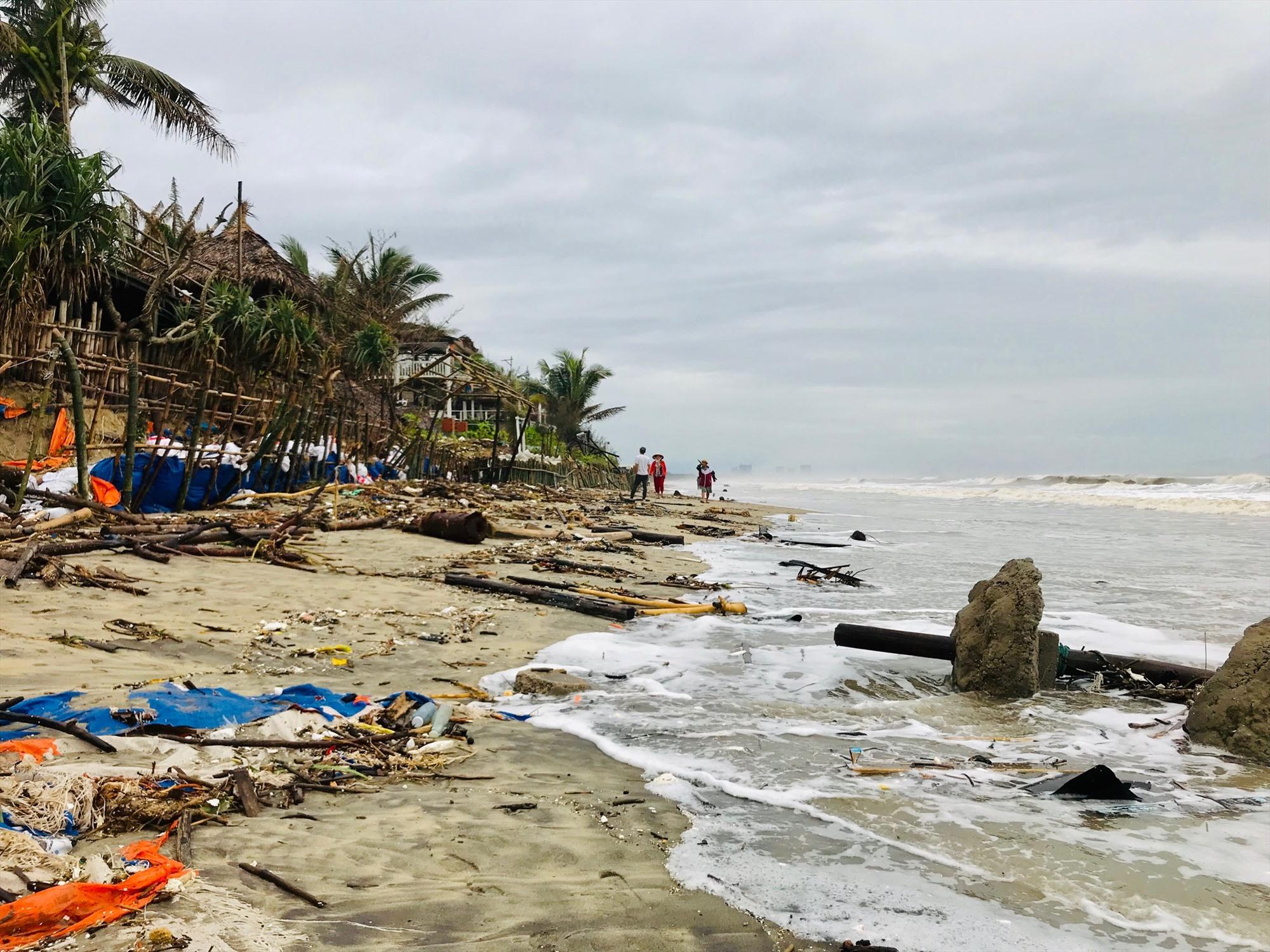 Bãi An Bàng đang đối mặt với tình trạng xâm thực, ảnh hưởng không nhỏ tới khả năng phát triển du lịch biển.