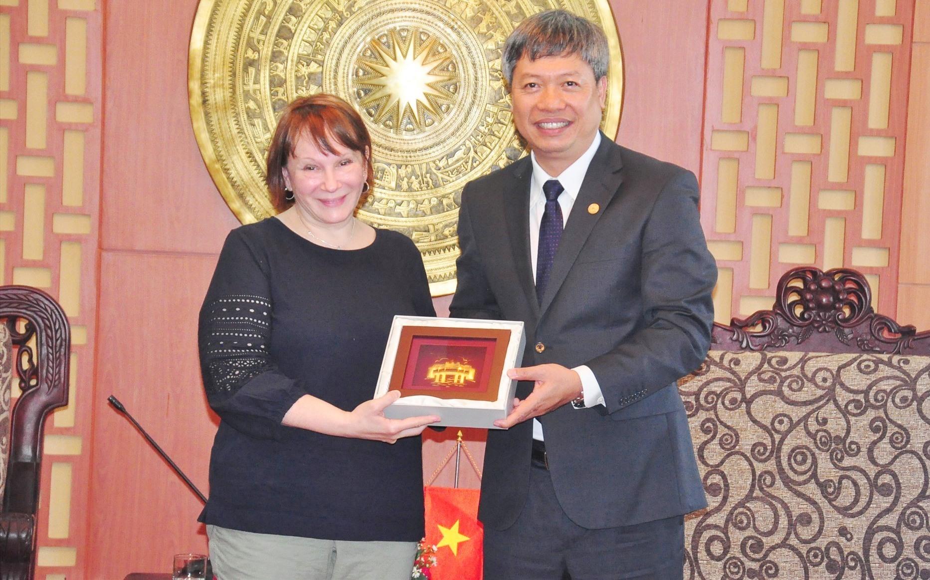 Vice Chairman Buu and USAID Vietnam Mission Director Ann Marie Yastishock