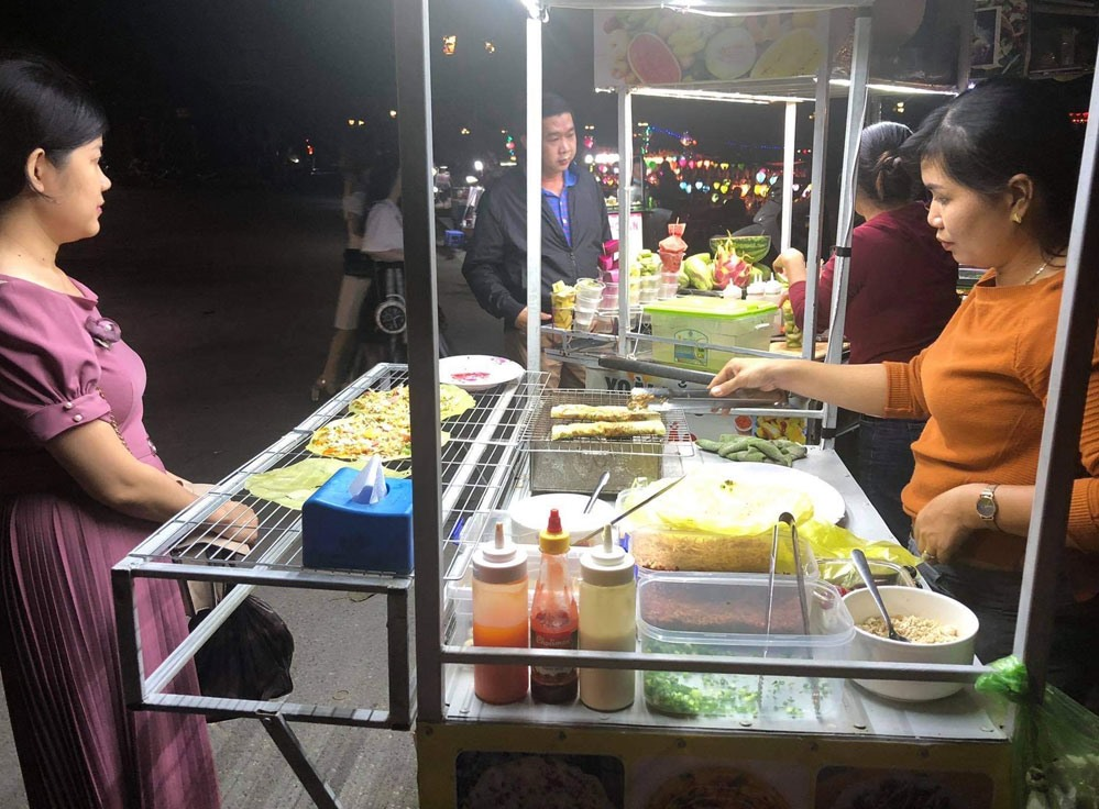 According to a representative from the Department of Culture, Sports and Tourism, Quang Nam is linking with travel agencies in Ha Noi and Ho Chi Minh city, launching a lot of tourism stimulus parkages to attract visitors to Quang Nam again.