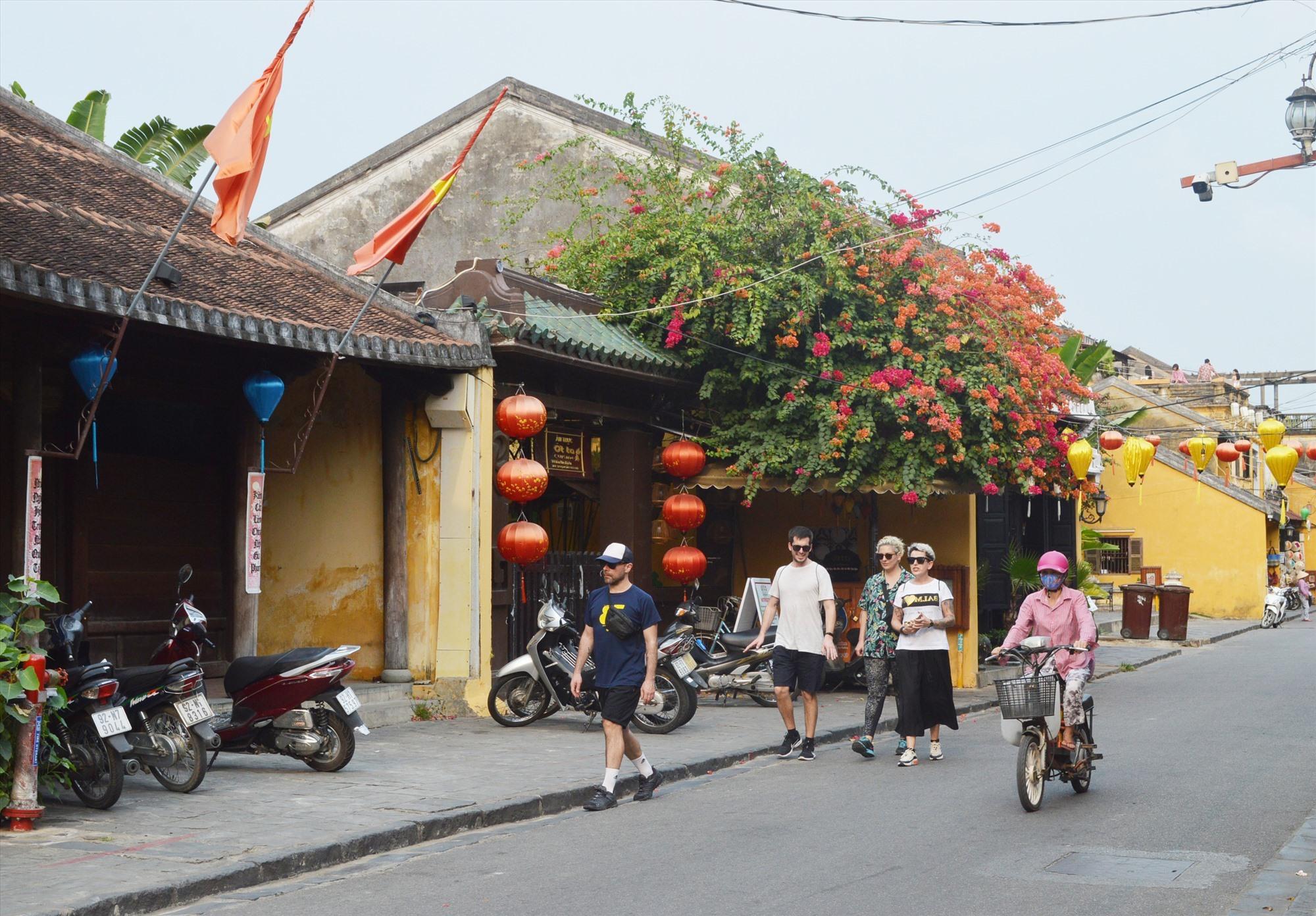 Quảng Nam hướng đến mục tiêu trở thành trung tâm du lịch của khu vực và là điểm đến an toàn, thân thiện. Ảnh: K.L