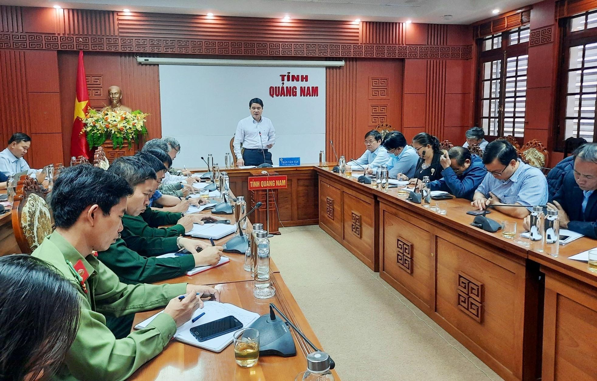 Quảng Nam kích hoạt lại bộ máy phòng chống dịch Covid-19, bắt buộc đeo khẩu trang nơi công cộng