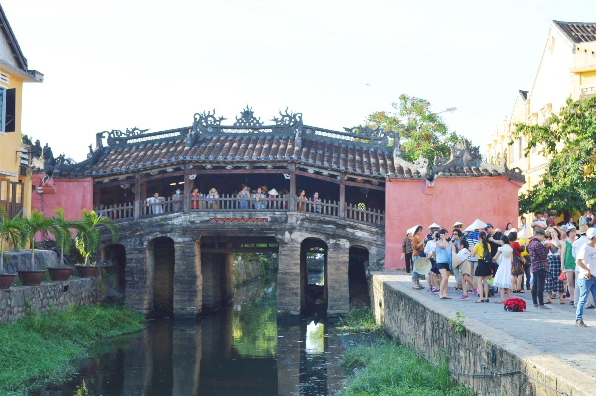 Chua Cau, Hoi An city