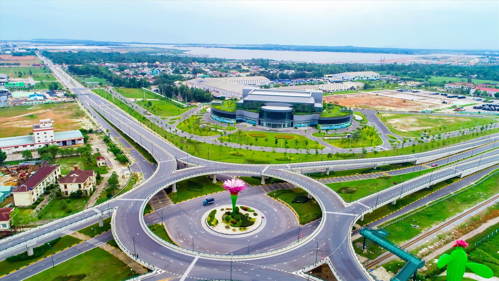 Chu Lai Riverside nằm ở vị trí cửa ngõ các KCN thuộc Khu kinh tế mở Chu Lai.