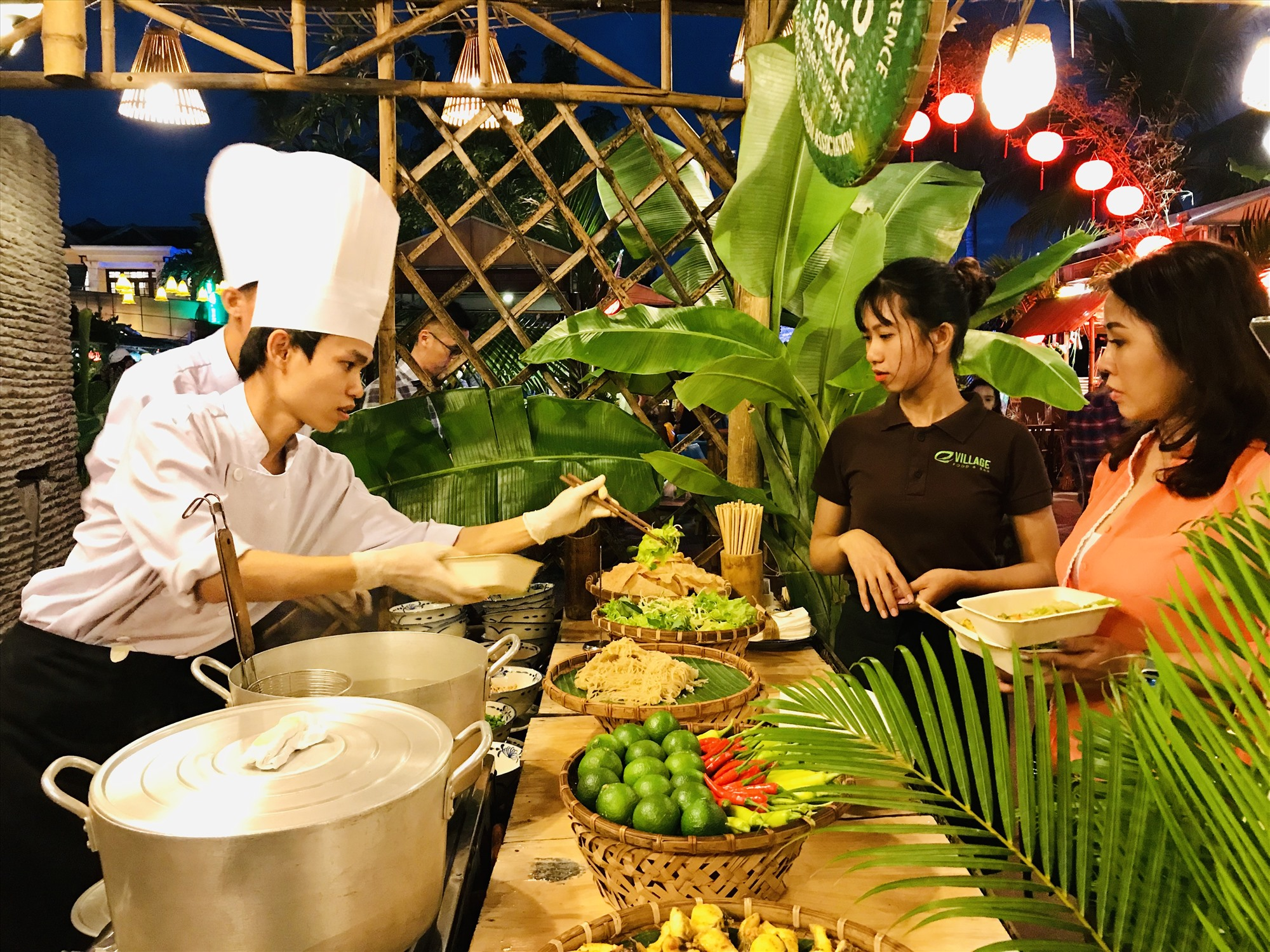 Quảng Nam có nền văn hóa ẩm thực đa dạng nhưng cần cải thiện cách làm thương hiệu để gia tăng giá trị thu được. Ảnh: Q.T