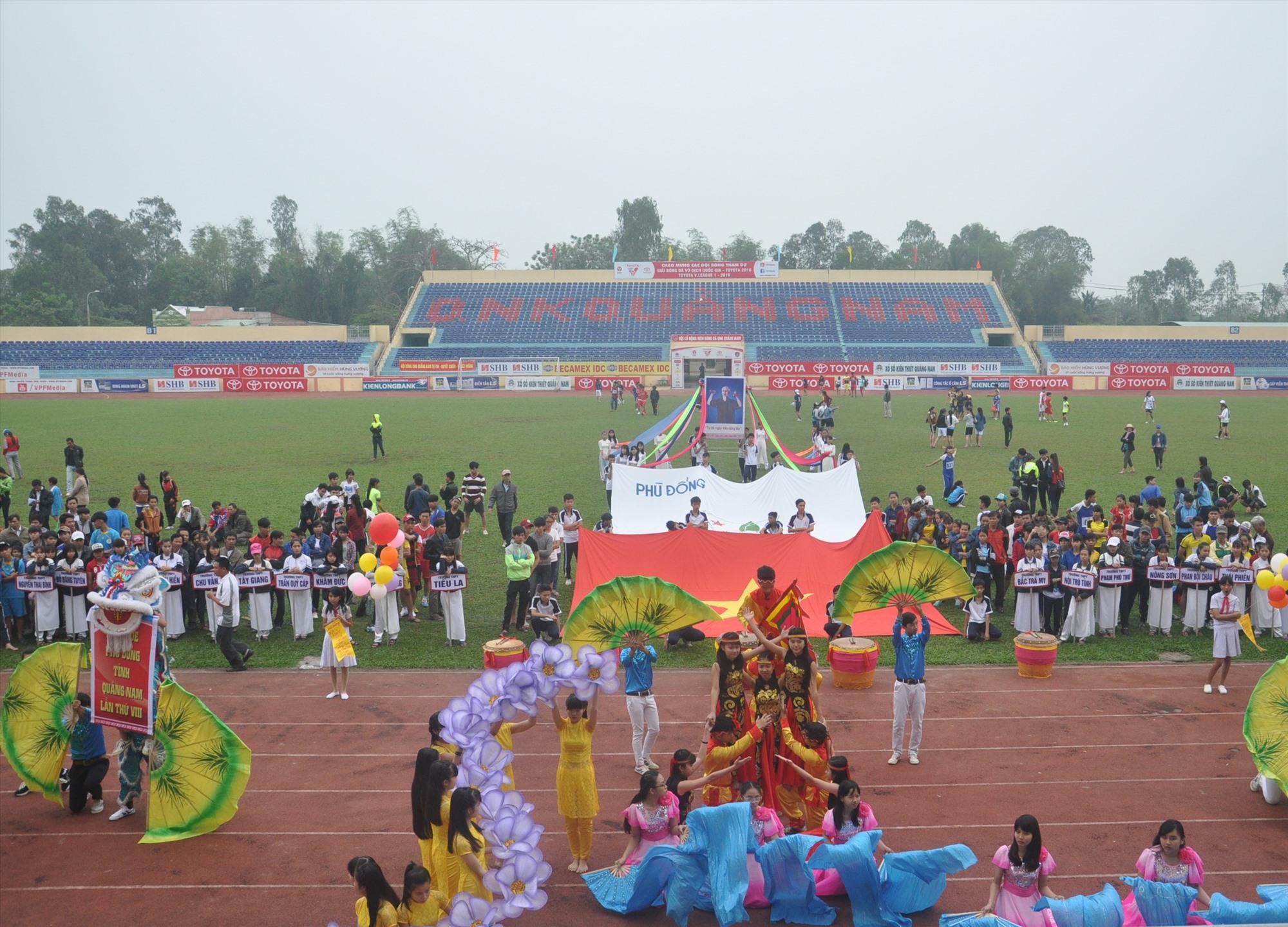 Hội khỏe Phù Đổng là sân chơi của tuổi trẻ học đường. Ảnh: X.P