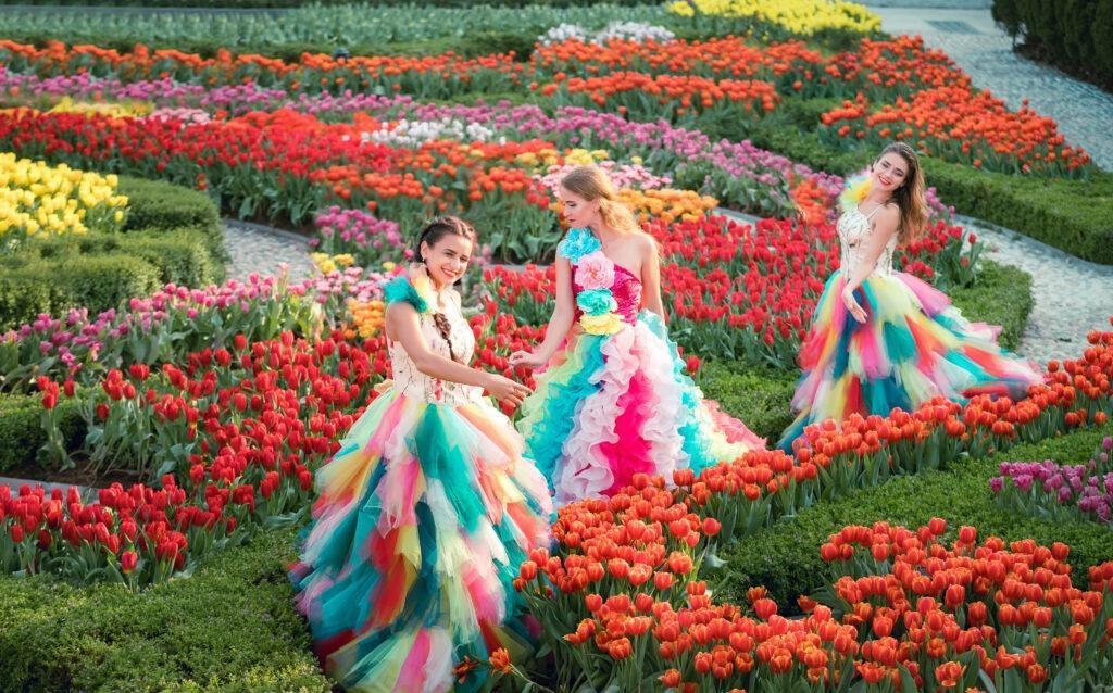 Thiếu nữ tại thiên đường hoa Bà Nà